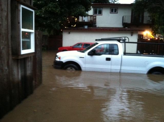David Wenrick's Amphibious Ford 12-23-12 flood