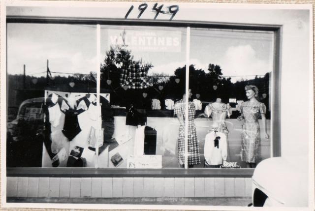 1949 Front Window Pattie-Dee Style Shop, Felton. Courtesy Patsy Wright