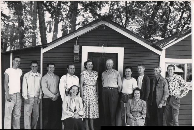 Captain Ed and wife, center, perhaps at their home on River Rd in Felton Grove. 1956. Courtesy of MAH.